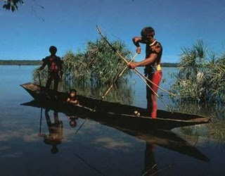 indio-pescando