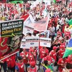 Foto size_810_16_9_PP_-Protesto-em-frente-a-sede-da-Petrobras-em-Sao-Paulo-foto-Paulo-Pinto-Fotos-Publicas0013